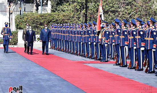 خلال مراسم استقبال فيليكس تشيسيكيدي رئيس الكونغو