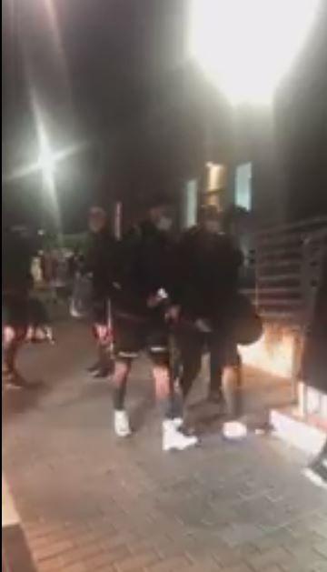 وصول نجوم الأهلي لملعب التدريب لأداء المران الرئيسي قبل مواجهة الدحيل القطري