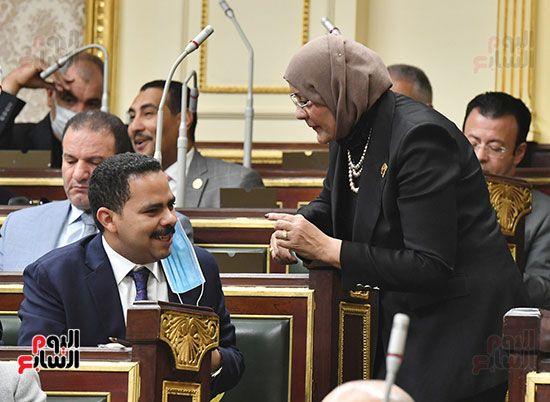 المناقشة النيابية لوزير الأثار والسياحة الدكتور خالد العناني (14)