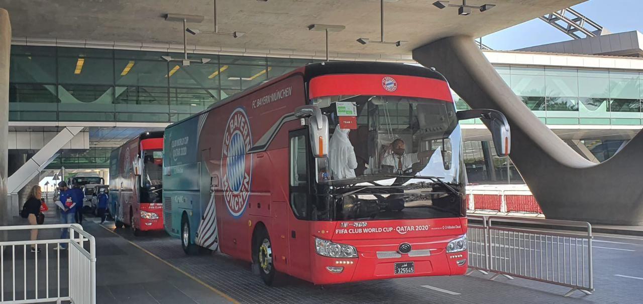 حافلة بايرن فى مطار الدوحة