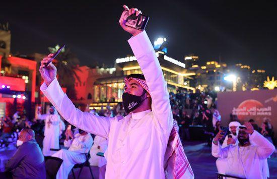 فرحة عارمة فى الإمارات بعد نجاح مسبار الأمل فى الوصول إلى مداره (4)