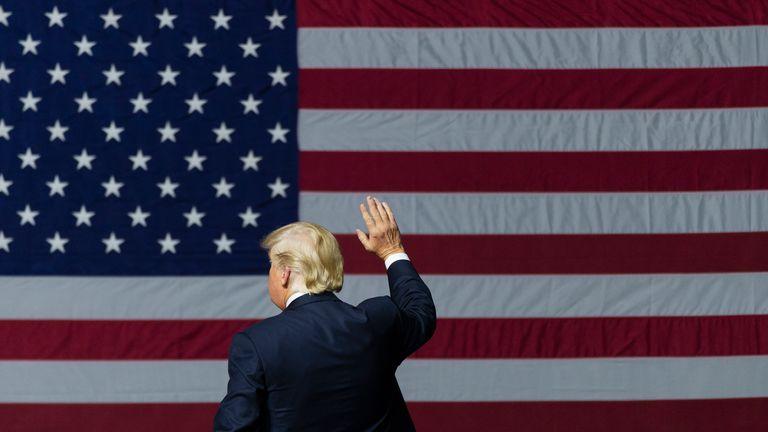 4 أسباب وراء عدم رضاء ترامب عن أداء محاميه في المحاكمة