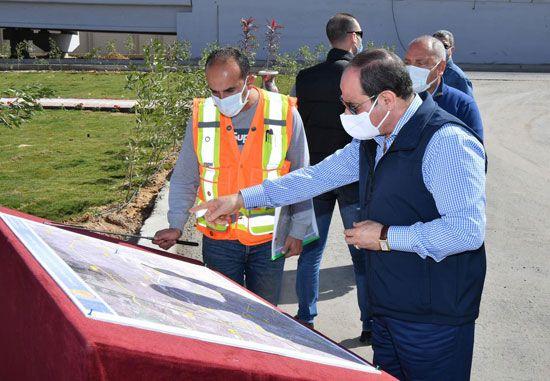الرئيس السيسي يتفقد مشروع تطوير محور مسطرد بمنطقة شرق القاهرة (10)