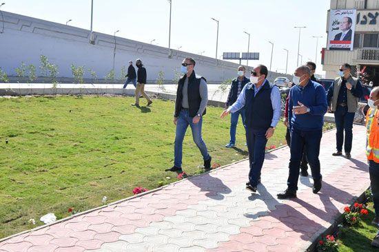 الرئيس السيسي يتفقد مشروع تطوير محور مسطرد بمنطقة شرق القاهرة (5)