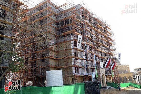 رئيس الوزراء يتابع أعمال تطوير منطقة سور مجرى العيون (16)