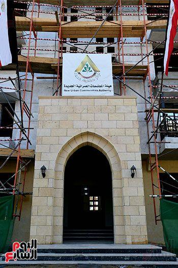 رئيس الوزراء يتابع أعمال تطوير منطقة سور مجرى العيون (19)