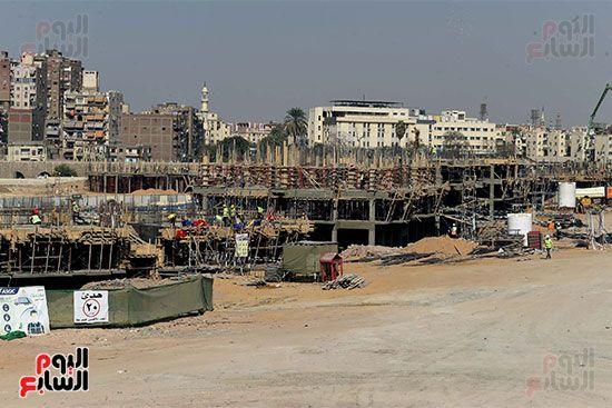 رئيس الوزراء يتابع أعمال تطوير منطقة سور مجرى العيون (6)