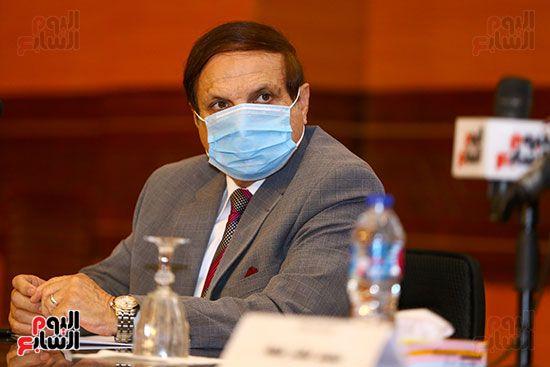 وزير الأوقاف يكرم أئمة وواعظات قافلة الأوقاف (6)