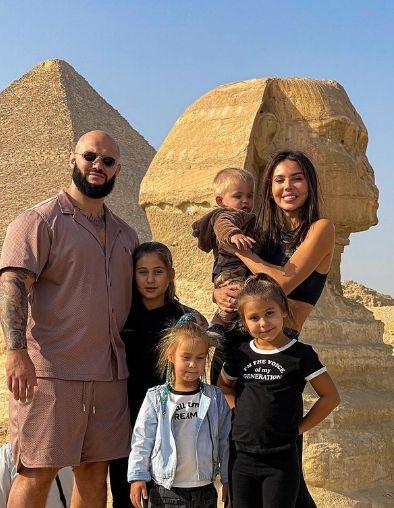 المغنى الروسى دى جى فى مصر