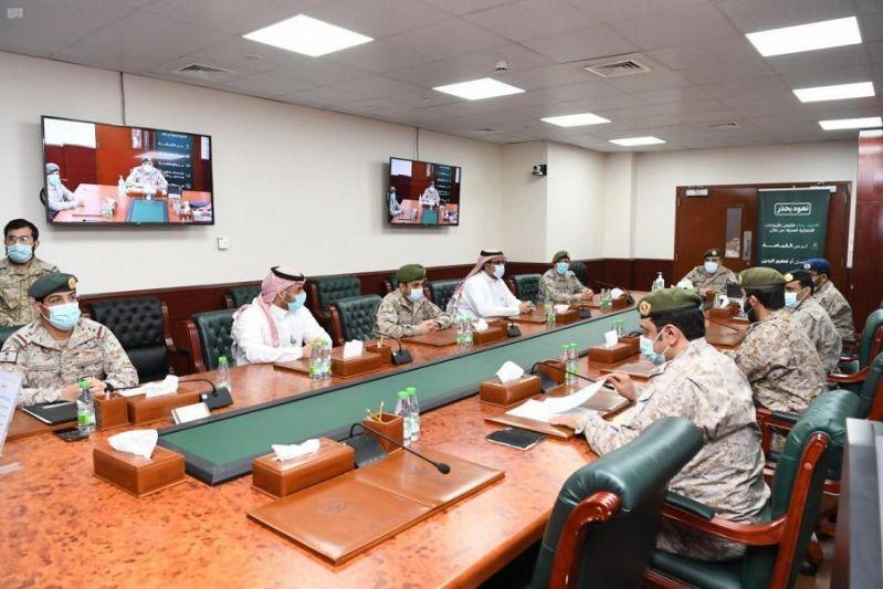 اللواء البلوي يستعرض خطة تحصين منسوبي القوات المسلحة بلقاح كورونا - المواطن