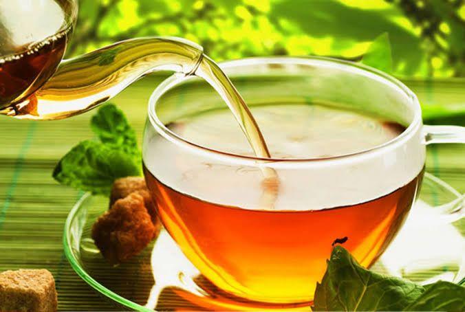 تناول شاي الأعشاب في الصباح يمكن أن يساعد في حرق الدهون