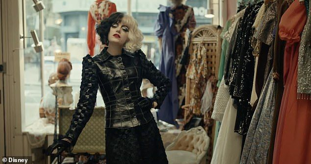 39596964-9285569-Punk_rock_Cruella_is_set_in_1970s_London_as_Stone_s_character_Es-a-1_1613982078978