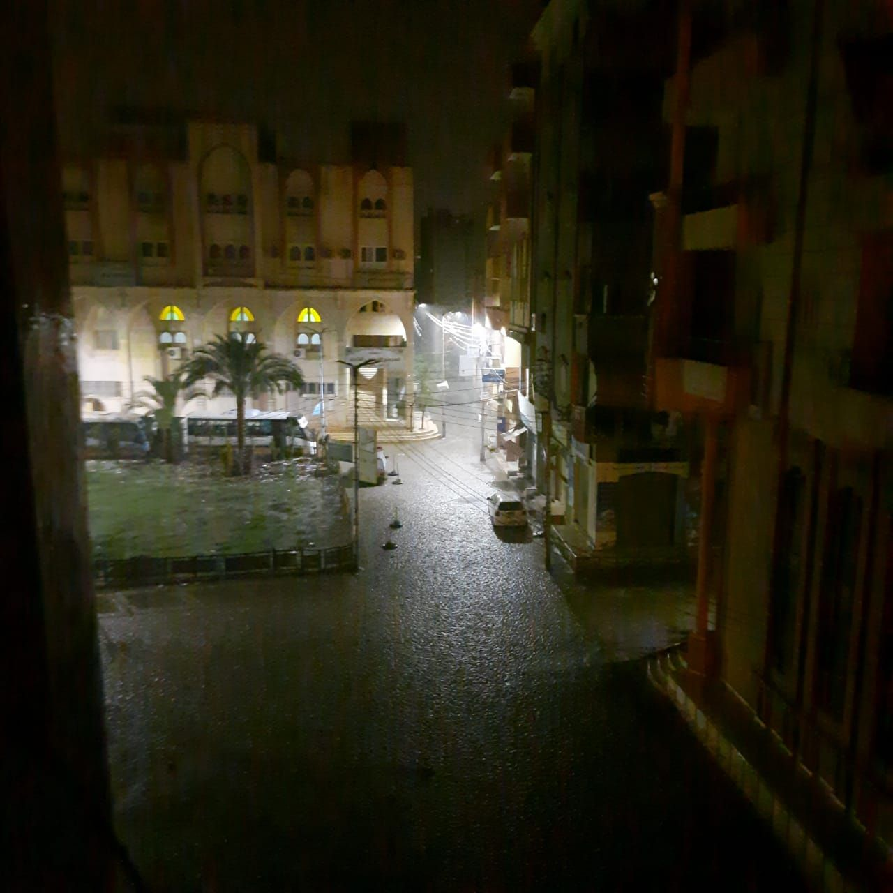سقوط أمطار ثلجية وبرق ورعد على مدن محافظة دمياط (5)