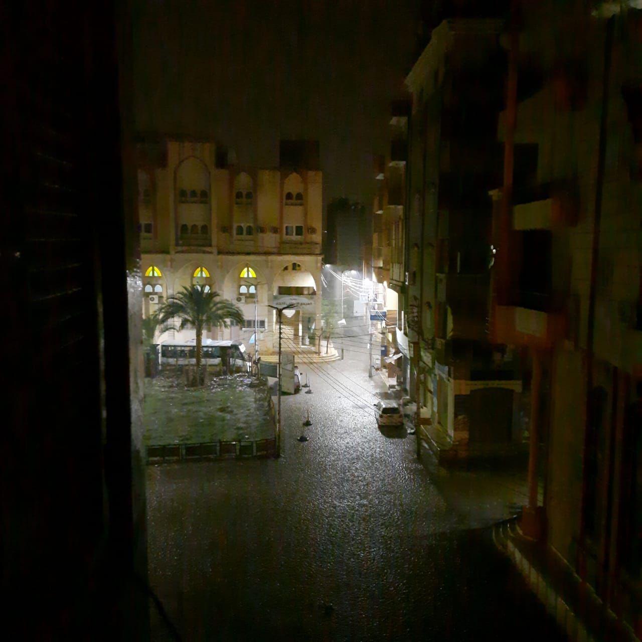 سقوط أمطار ثلجية وبرق ورعد على مدن محافظة دمياط (1)