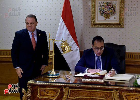 رئيس الوزراء يزور مقر النائب العام لمتابعة جهود التحول الرقمى (13)