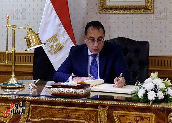 رئيس الوزراء يزور مقر النائب العام لمتابعة جهود التحول الرقمى (14)
