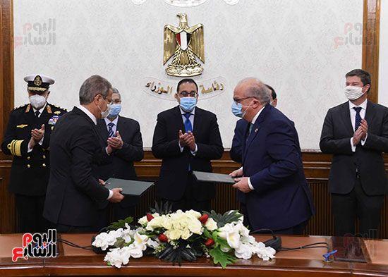 مصطفى مدبولى يشهد توقيع اتفاقية بدء دراسات إنتاج الهيدروجين الأخضر لتوليد الطاقة (4)