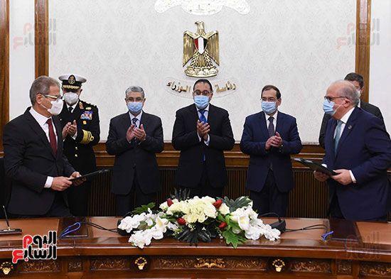 مصطفى مدبولى يشهد توقيع اتفاقية بدء دراسات إنتاج الهيدروجين الأخضر لتوليد الطاقة (3)