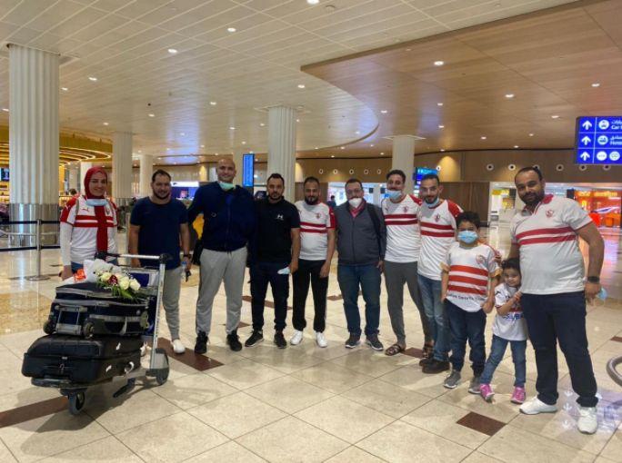 الجماهير تستقبل هتلر فى مطار دبى
