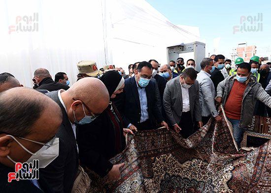 رئيس الوزراء يتفقد مشروعات حياة كريمة بالمنوفية (1)