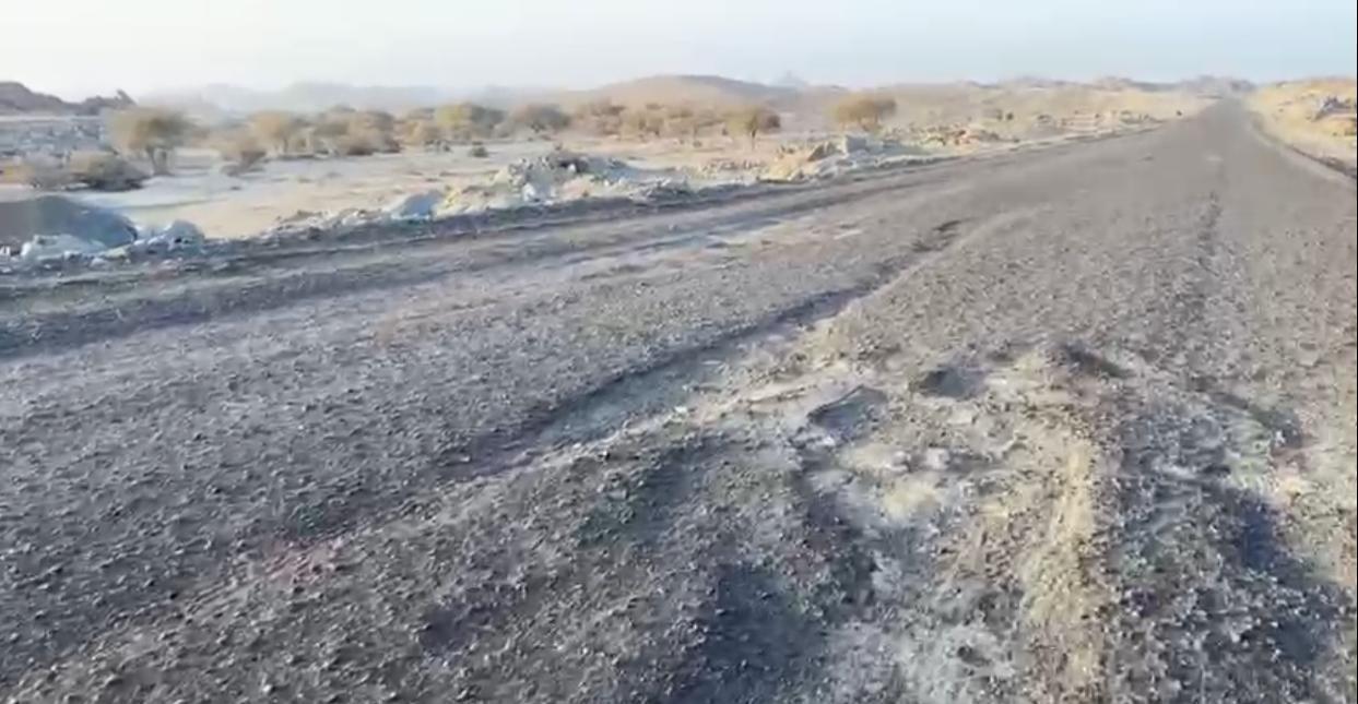 طريق قرية العضاء متهالك شرق محافظة الحرجة