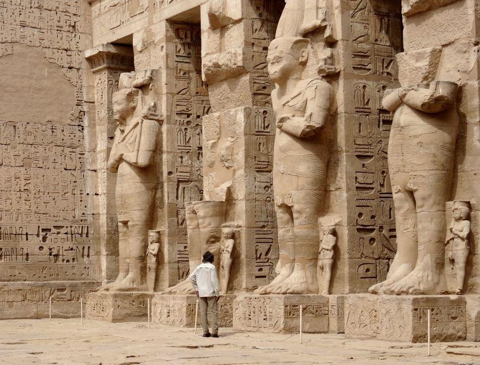 مورجان يزور اثار مصر