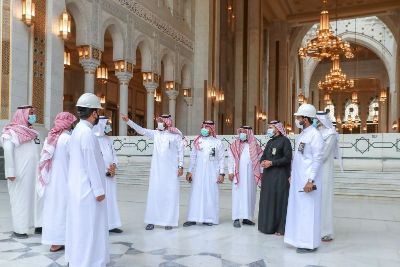 فريق ميداني لمتابعة تقديم الخدمات بالمسجد الحرام في رمضان - المواطن