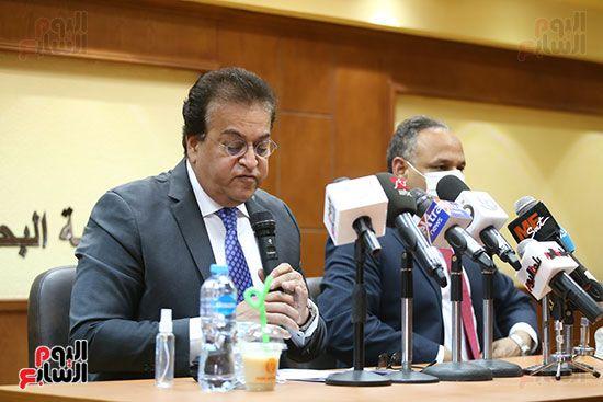 وزير التعليم العالى الدكتور محمود صقر رئيس أكاديمية البحث العلمى (2)