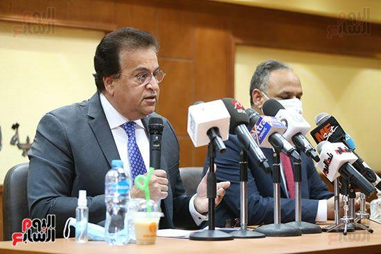 وزير التعليم العالى الدكتور محمود صقر رئيس أكاديمية البحث العلمى (4)