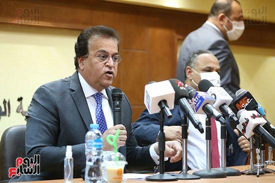 وزير التعليم العالى الدكتور محمود صقر رئيس أكاديمية البحث العلمى (1)