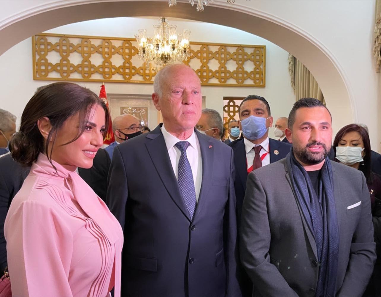 درة وزوجها مع الرئيس التونسي