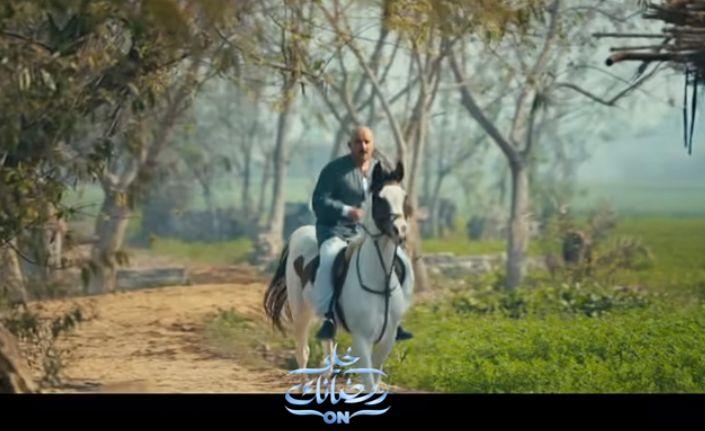 احمد السقا على الخيل