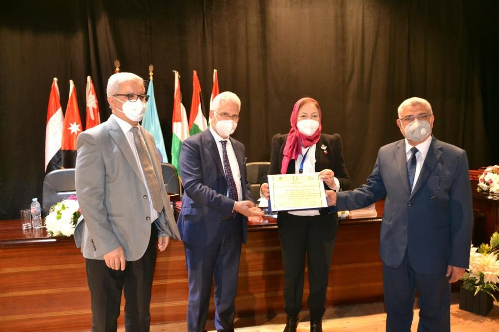 جامعة مصر للعلوم والتكنولوجيا تفوز بالمركز الأول للمرة السابعة فى مؤتمر اتحاد الجامعات العربية (1)