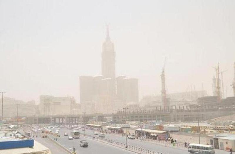 تنبيه من أمطار رعدية وأتربة مثارة على عدد من محافظات منطقة مكة