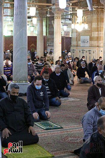 صلاة التراويح من مسجد السيدة زينب