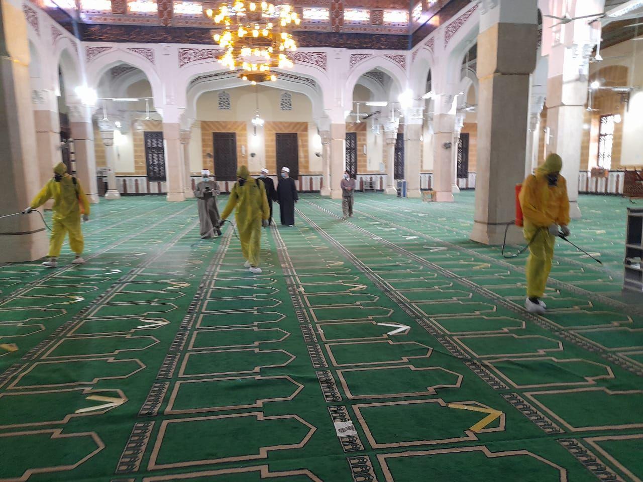 تعقيم مسجد سيدي إبراهيم الدسوقي بكفر الشيخ