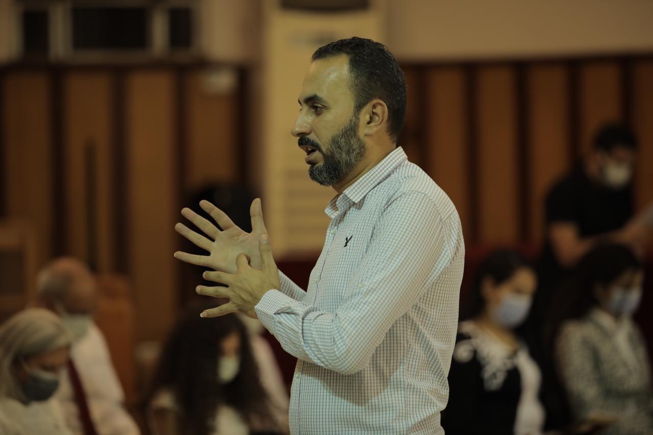 الكنيسة الأسقفية توفر ترجمة فورية بلغة الإشارة (3)