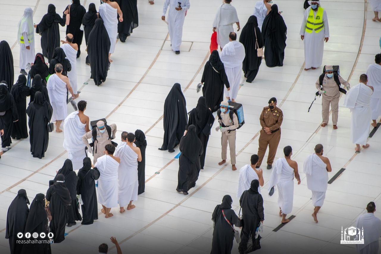 المعتمرين بالمسجد الحرام