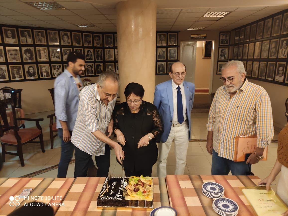 محمد صبحي يحتفل بعيد ميلاد سميرة عبد العزيز (3)