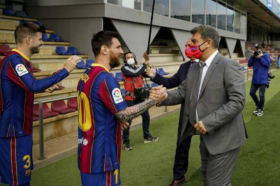 ميسي يثير أزمة لـ برشلونة