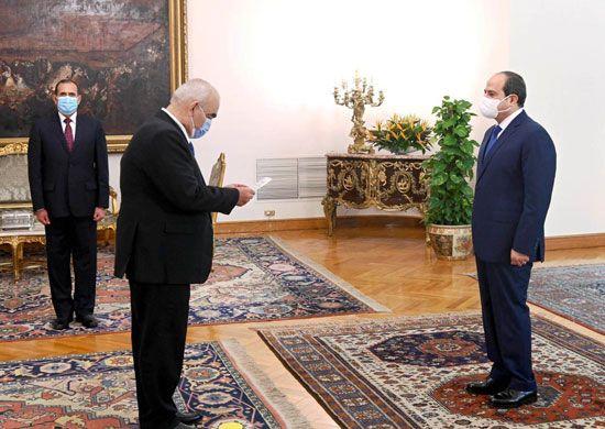 الرئيس السيسي يشهد أداء المستشار حسين مصطفى فتحي اليمين الدستورية رئيساً لجهاز شؤون الدولة (2)