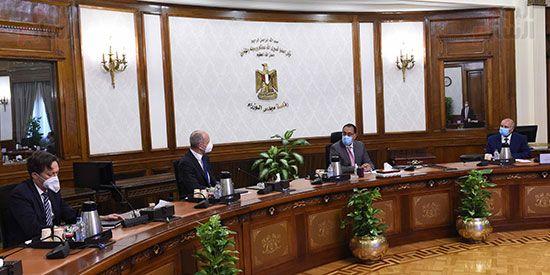 رئيس الوزراء يلتقي الرئيس التنفيذي لشركة سيمنز العالمية (4)