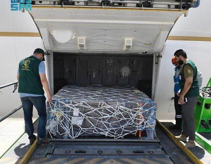 إنفاذًا لتوجيهات الملك سلمان.. طائرة مساعدات سعودية تغادر إلى تونس