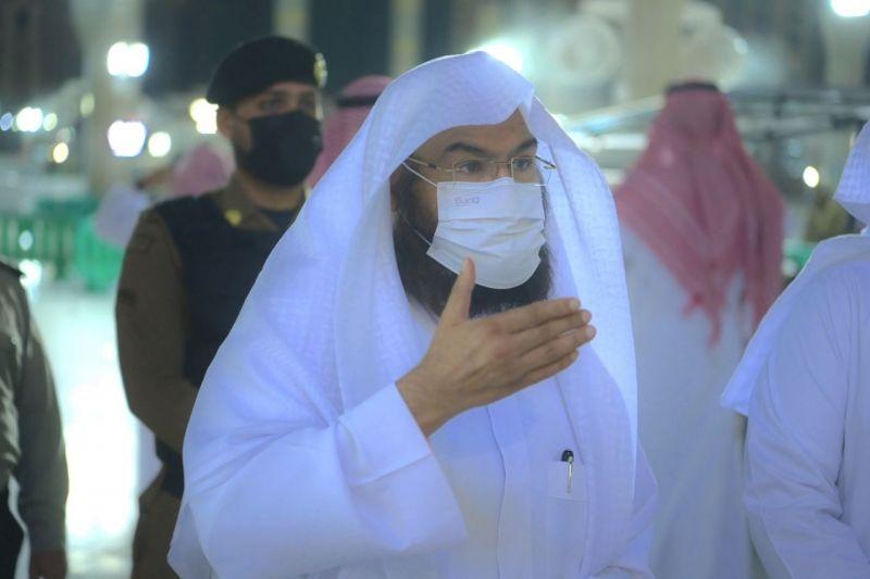 السديس يطلق مشروع شاشات الأبواب الرئيسية بالمسجد النبوي - المواطن