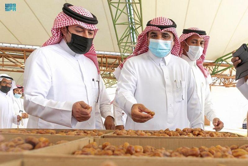 انطلاق مزاد موسم صرام تمور الأحساء.. تعرف على الأسعار - المواطن