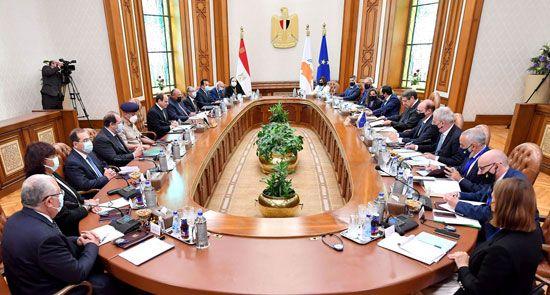 جلسة مباحثات ثنائية بين الرئيس السيسي ونظيره القبرصي في القصر الاتحادي (4)