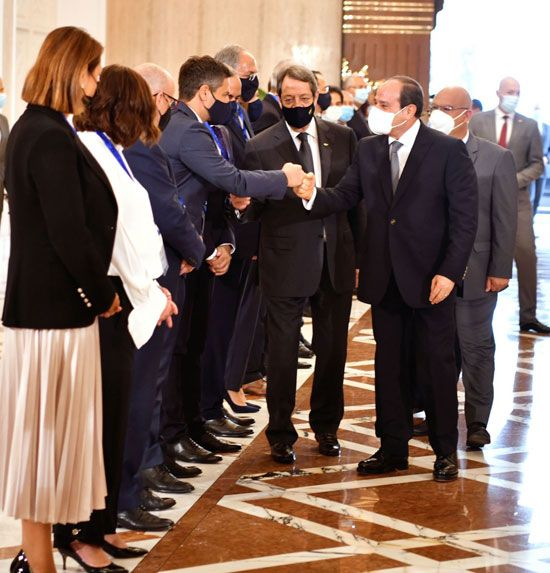 جلسة مباحثات ثنائية بين الرئيس السيسي ونظيره القبرصي في القصر الاتحادي (7)