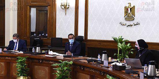 اجتماع رئيس مجلس الوزراء (3)