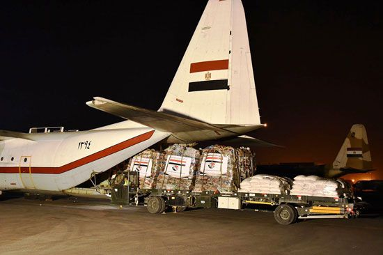مصر ترسل جسر مساعدات إنسانية ثاني إلى السودان (3)