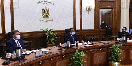 اجتماع رئيس مجلس الوزراء (1)